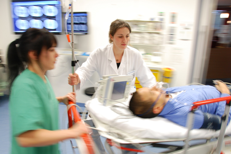otthoni magas vérnyomás esetén sürgősségi segítség