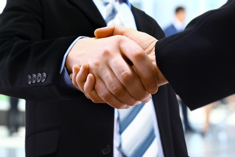 body-language-handshake