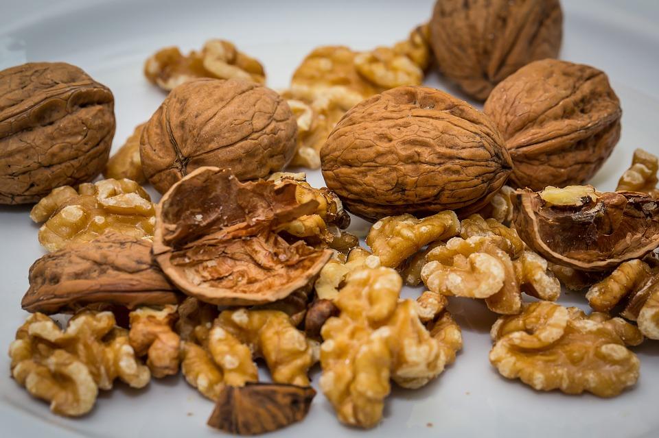 walnut-2816935_960_720