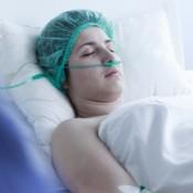 Stockphoto-beteg-korhaz-koma-orvos-kezeles1-650x325