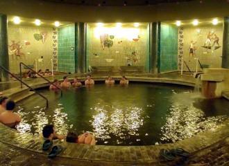 Szentesi-Gyógyfürdő-melegvíz