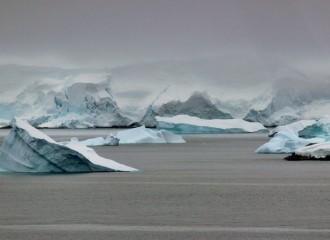 icebergs-277434_960_720