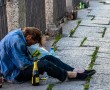 Van olyan család, aki feláldozza magát ilyen helyzetben, és elveszik az alkoholistával együtt, lassan, agonizálva, felemésztődve…