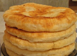 ha-ezt-a-receptet-megismered-soha-tobbe-nem-veszel-kenyeret-puha-kefires-lepeny-gyorsan-elkeszitheto-es-finom